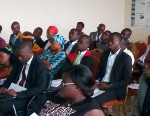 Atelier de formation des jeunes à l'Evaluation par le RISE au PS__UFHB Bingerveille en 2016