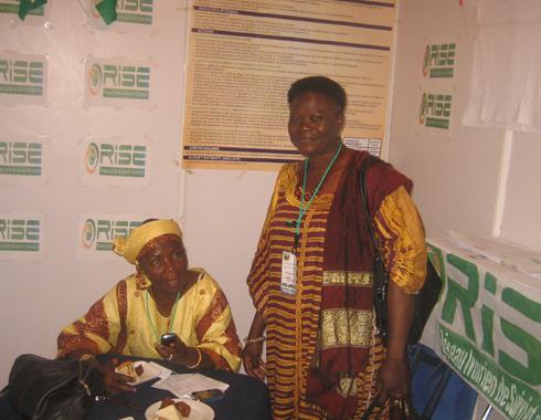 Fanta du RISE et Adiza deu Rébuse au stand du RISE lors le Conference AfrEA à ACC_A_GHANA